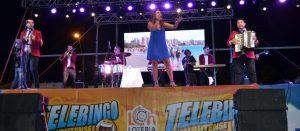 Angela Leiva en el escenario del Telebingo